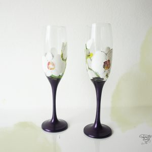 Pahare violet cu orhidee albă. Pahare personalizate.