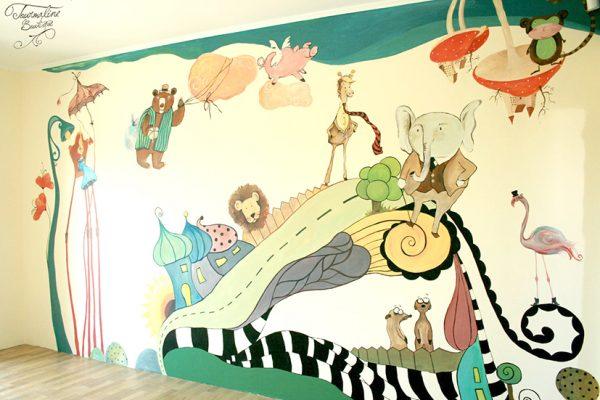 Jungla fantastică. Pictură pe pereți în camera lui David.