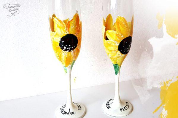 Pahare șampanie pictate cu floarea Soarelui. Pictate manual.