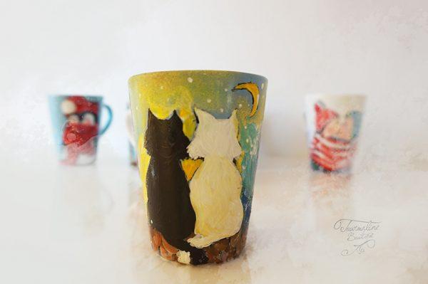 Cană pictată cu un cuplu de pisici. Cană personalizată.