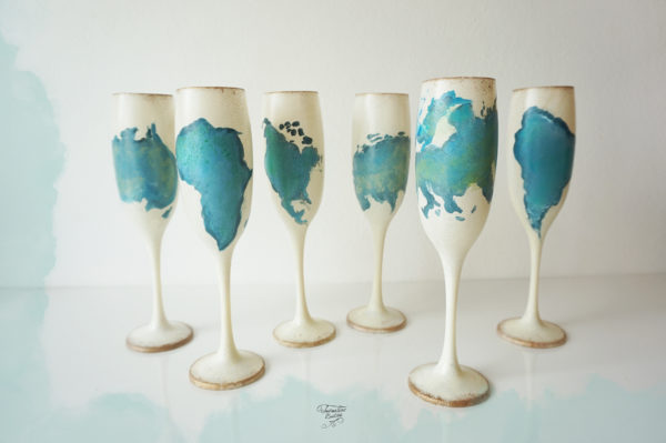 Pahare vintage, harta lumii, continente. Pictate manual.
