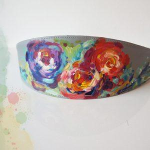 Brâu pictat manual cu flori picturale. Piele naturală.