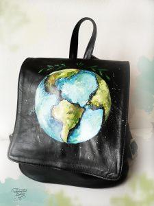 piele naturală, pictat manual, Travel around the world.