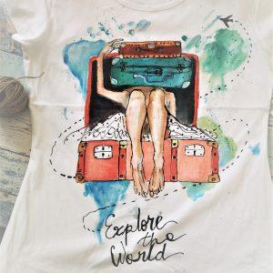 Tricoul călător. Pictat manual, special făcut pentru iubitoarele de Travel