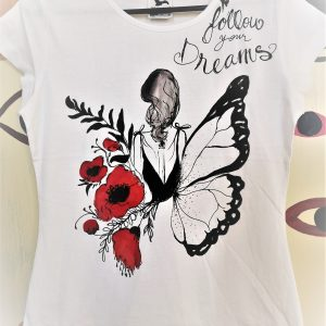 Tricou pictat manual cu fluture și maci. Follow your dreams
