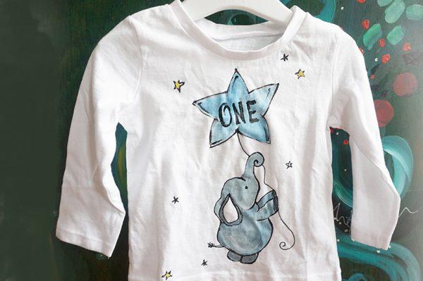Tricou bebeluși cu cifra 1, pictat manual cu elefant