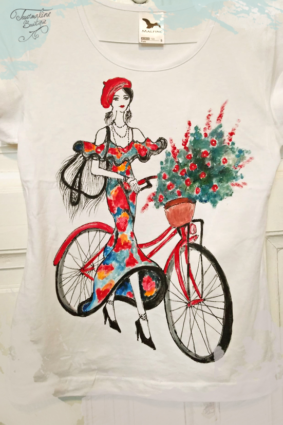 "Tricou ""french girl"" cu bicicletă. Tricou pictat manual."