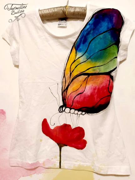 Tricou pictat fluturele curcubeu