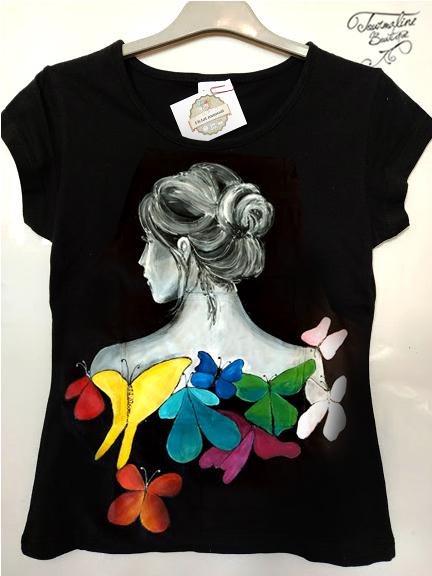 Tricou fata cu fluturi multicolori