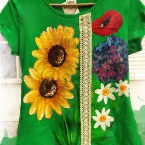 tricou verde broderie si flori de vara